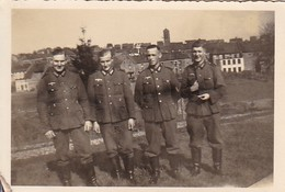Foto 4 Deutsche Soldaten - 2. WK - 8*5,5cm  (48475) - Krieg, Militär