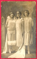 En L'état CPA CARTE PHOTO Thème Femme : La Reine Et Ses Demoiselles D'Honneur ** Fête - Mujeres