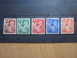 VEND BEAUX TIMBRES DE FRANCE N° 431 - 435 , XX !!! - 1939-44 Iris
