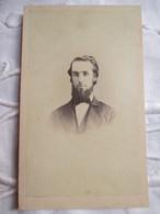 CDV  USA - Portrait Jeune Homme Barbu - Circa 1860 - Photo Bostwick, Bristol, PA -   TBE - Foto