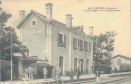 J72 - 16 - SAINT-MICHEL - Charente - La Gare Depuis Son Agrandissement - Autres Communes