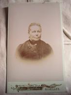 CDV  BELGIQUE - NIVELLES - Portrait Femme Agée - Circa 1880/90 -  BE - Foto