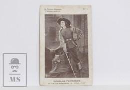 Original 1920s Cinema / Movie Actor Postcard - Nº 1, Douglas Fairbanks - The Three Musketeers, United Artists - Actors