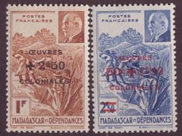⭐ Madagascar - YT N° 284 Et 285 ** - Neuf Sans Charnière - 1944 ⭐ - Unused Stamps