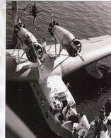 Les Hydravions -  Embarquement Du Frét Dans Un LeO H242 D'Air France á Marignane - CPM - 1919-1938: Entre Guerres