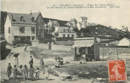 TREBOUL PLAGE DES SABLES BLANCS LES MARCHANDS DE CARTES POSTALES ET LA RUE GORLEOC'H - Tréboul