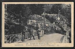 CPA 74 - Barberine, Douaniers Français Et Suisses à La Frontière - Altri Comuni