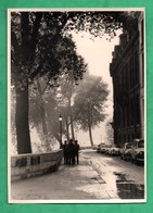 Photographie Paris Ile Saint Louis  Quai ? ( Format 12,6cm X 17,5cm ) Cliché Ancien Non Daté Avec Automobiles - Lieux