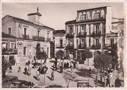 MELFI - PIAZZA MUNICIPIO - OROLOGIO - ANIMATA - AUTO D'EPOCA CARS VOITURES - VIAGGIATA 1955 - Other Cities