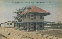 Gare De Brickaville Chemin De Fer De Tamatave à Tananarive  Colorisée Main . Charifou - Madagascar