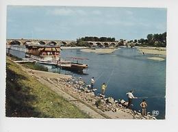 Nevers : Les Bords De La Loire Et Le Pont Routier (bateau Restaurant Bar) - Nevers