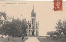 CPA (18)  LAVERDINES Place De L'église  (R.V)   D 166 - Autres Communes