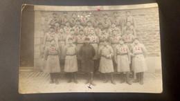 Carte Photo D'un Groupe De Militaires à Vannes - Le 505° R.C.C En Mai 1925 Avec Noms Au Dos / Editions Baglin Rennes - Vannes