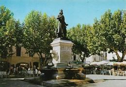 30 Aigues Mortes Statue De Saint Louis (2 Scans) - Aigues-Mortes