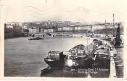 PENICHES - 69 - LYON : Péniches En Bon 1er Plan - Quai St Antoine - Pont Du Change - CPSM Photo Format CPA - Barges - Arken