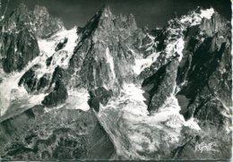 74 - Chamonix : Vue Aériene - Les Aiguilles De Chamonix - Pilote Opérateur R.Henrard - Chamonix-Mont-Blanc