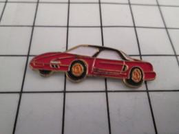 220 Pin's Pins / Beau Et Rare / THEME : AUTOMOBILES / VOITURE ROUGE A IDENTIFIER - Autres