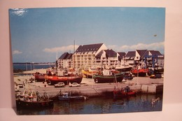 LA TURBALLE   -Le Port De Peche - ( Pas De Reflet Sur L'original ) - La Turballe