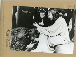 """Photo Originale .  Les Comédiens ROBERT POWELL  . JAMES MASON Et ANNE BANCROFT  Dans """" Jésus De Nazareth """" - Berühmtheiten"""