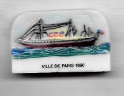 Fève  Bateau, VILLE  DE  PARIS  1890  ( 75 ) - Santons/Fèves