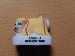 CHAT  - SOUS LA COUVERTURE - Dieren