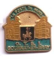 RR266 Pin's Jeanne D'Arc OTSI Gournay En Bray Porte De Paris Seine Maritime Office Tourisme Achat Immédiat - Personajes Célebres