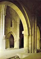13 - La Roque D'Anthéron - Abbaye De Silvacane (XIIe Siècle) - Vue Sur La Nef à Travers Une Arcade Du Collatéral Sud - Otros Municipios