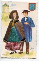 Carte BRODEE Tissée 653 BERRY Couole Paysans Moulin Costumes Régionaux De France - Brodées