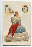 ESPAGNE BRODEE Tissée 678 MAdrid Jeune Femme Assise Chaise  écrite Vers 1960 - Madrid