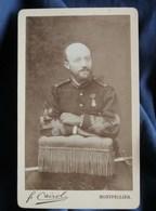 Photo CDV Cairol à Montpellier - Capitaine D'infanterie Avec Médaille Militaire, Tenue De 1882 L291 - Photographs