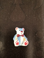 Feve Mate  OURS OURSON PELUCHE Assis Bleu - Animaux