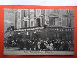 CPA (79)  Niort. Place De La Brêche. Café Du Globe. (N.2399) - Niort