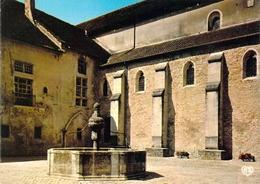 39 - Baume Les Messieurs - Intérieur De L'Abbaye - La Fontaine - Baume-les-Messieurs