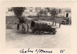 Photographie Anonyme Vintage Snapshot Camion Militaire Truck Militaire Chalôns - Trains