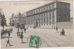 ALGER - LA CASERNE PELISSIER ET LE KURSAAL - Plusieurs Personnes - Charrette - Tramway - Algiers