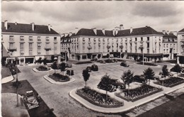 37 TOURS. PLACE DE LA RESISTANCE. ANNES 50. PETIT FORMAT - Tours