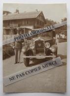 La Schlucht 88 Haut-Rhin En 1932 Homme Pose Avec Peugeot 201 Maison Chalet Petite Photo Originale Cliché Inédit - Automobiles