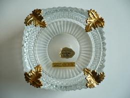 Gros Cendrier - Véritable Cristal De Bohème L.G. - Garanti Doré Or Fin - Quasi 1 Kilo - Finement Travaillé - Vetro