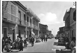 Priolo (Siracusa). Via Castellentini. Vespa Faro Basso. - Siracusa