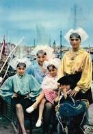 85 Costumes Sablais Groupe De Sablais Sur Le Port (2 Scans) - Sables D'Olonne