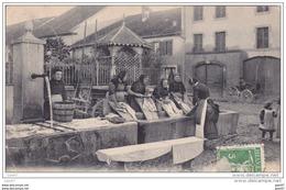 """Cpa   Réf-JP-V-v-304 (  Suisse 1909 ) Scènes VAUDOISES  """""""" Femmes Blanchissant Le Linge """""""" Lavandiere - Switzerland"""
