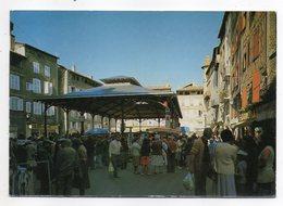 FIGEAC--1986 - Place Carnot ,les Halles,un Jour De Marché.(très Animée) .....timbre..cachet   ..............à Saisir - Figeac