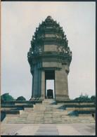 °°° 20458 - CAMBOGIA - PHNOM PENH - LE MONUMENT DE L'INDEPENDANCE - 1997 With Stamps Kampuchea °°° - Cambogia