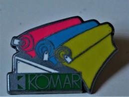 Rare Pin's KOMAR Arthus-Betrand - Arthus Bertrand