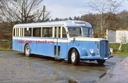 Reproduction D'une Photographie D'un Ancien Bus Saurer Bleu De 1957 - Reproductions