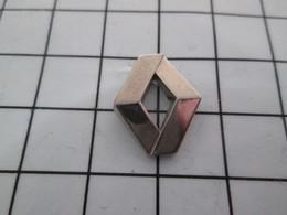 1318A  Pin's Pins / Beau Et Rare / THEME : AUTOMOBILES / LOGO RENAULT METAL ARGENT Par SOFREC - Renault