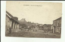 52 - Haute Marne - Mandres - Rue De La République - Lavoir  - Animée - - Frankrijk