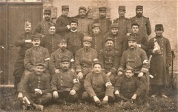 Rare Photo Carte Groupe De Militaires Medecins , Infirmiers Sur Le Front - 1914-18