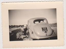 27526 Vielle Voiture 106 -c -35 -Plage Longchamps SAINT LUNAIRE 35 -Juillet 1953 - Automobiles
