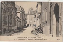 CPA   51   AY     REVOLUTION EN CHAMPAGNE AVRIL 1911 RUE GAMBETTA LE MOBOLIER DE LA MAISON GAUTHIER - Reims